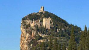 Замок Арко (Италия)