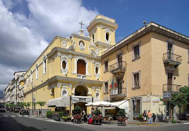 Церковь Кармине (Сорренто)