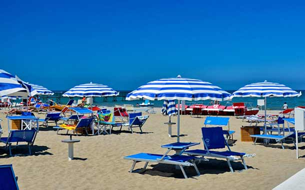 Пляж Miramare в Римини