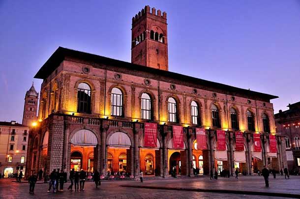 Старое здание Палаццо дель Подеста (Римини)