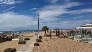 Пляж Риваззурра (Римини)