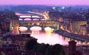 Жилой мост во Флоренции (Италия)