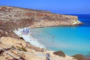 Остров и пляж кроликов острове Лампедуза