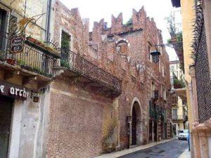 Дом где жил Ромео в Вероне