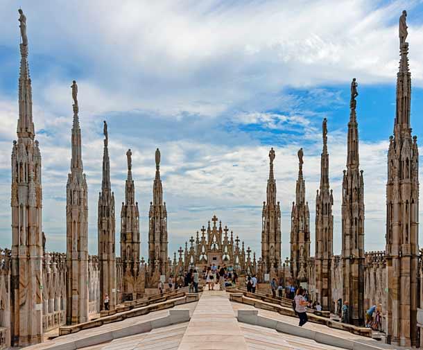 Миланский кафедральный собор в Италии