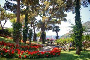 Красивые сады Августа на острове Капри