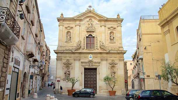 Кафедральный собор в Таранто (Италия)