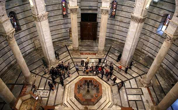 Пизанская башня вид внутри