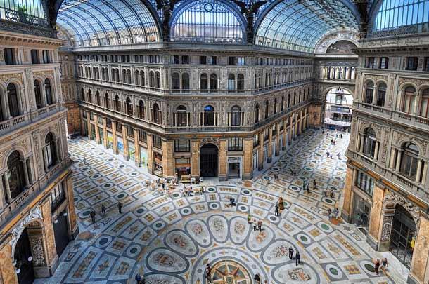 Галерея Умберто I в Неаполе (Италия)