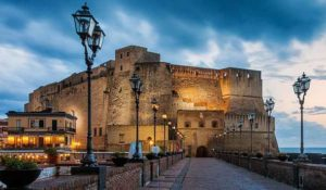 Замок Кастель-дель-Ово (Неаполь)