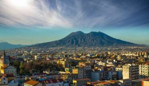 Красивый город Неаполь (Италия)