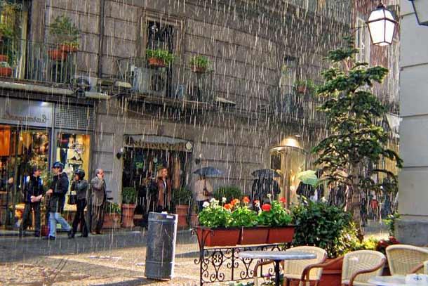 Какая погода осенью в Неаполе (Италия)