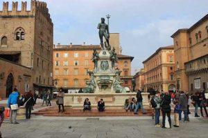 Площадь Нептуна в городе Болонья (Италия)