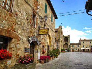 Улочки в городе Сиена (Италия)