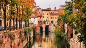 Город Мантуя в Италии