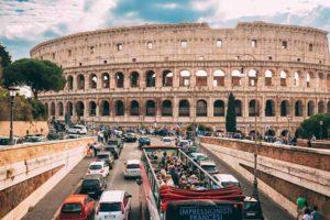 Знаменитый коллизей в Риме (Италия)