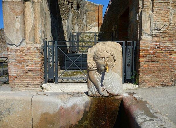 Улица Изобилия в Помпеи