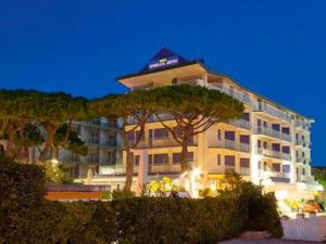 Отель Napoleon 4 в Лидо ди Езоло