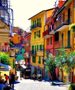 Улица в Чинкве Терре, Италия