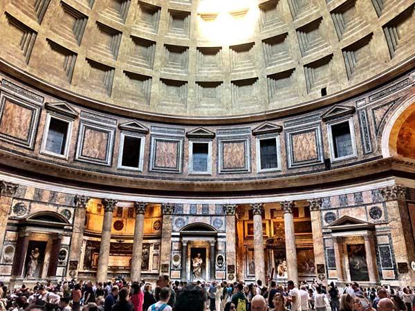 Пантеон богов в Риме