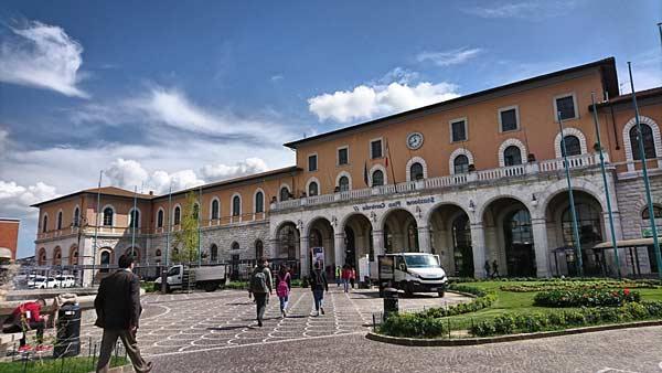 Центральный вокзал в Пизе
