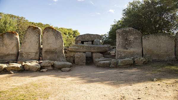 Гробницы гигантов в Ольбии