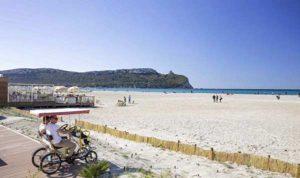 Пляж Поэтто в Кальяри