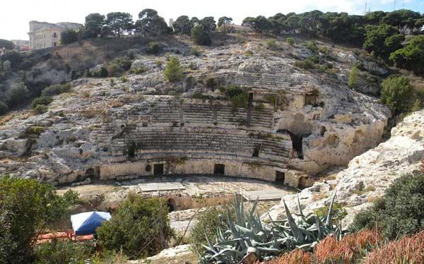 Древнеримский амфитеатр на Сардинии