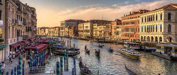 Почему Венеция на воде