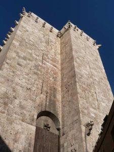 Башня Торре-дель-Элефанте (Сардиния)