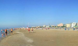 Пляж Марино Чентро в Римини