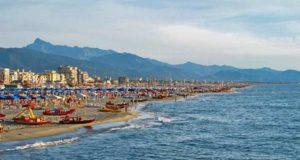 Пляжи в Виареджо