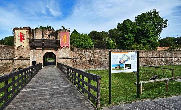 замок Бранкалеоне 15 века