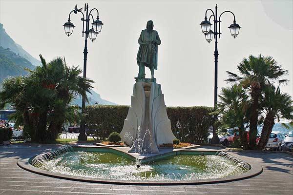 Памятник Флавио Джойя