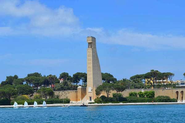 Памятник итальянским морякам