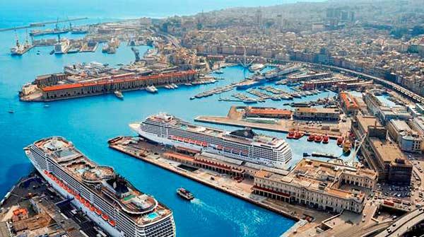 Порт Генуи (Италия)
