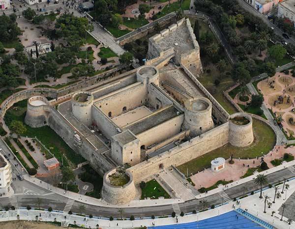 Швабский замок в Апулии