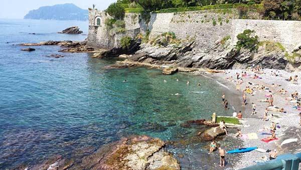 Нерви пляж в Генуе