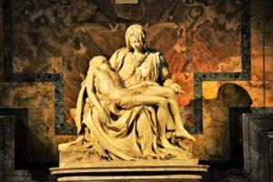 Пьета - скульптура Микеланджело
