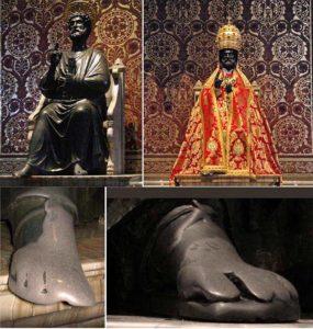 Бронзовая статуя Святого Петра с ключами от рая