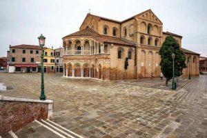 Базилика Санти-Мария-э-Донато