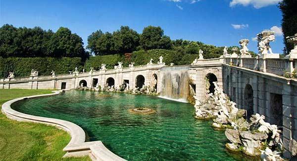Королевский дворец в Казерте (Италия)